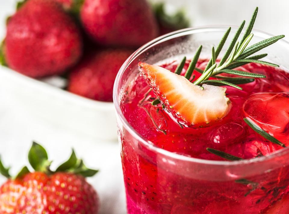 zdrowy sok z truskawek
